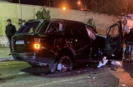 """Bakıda """"Range Rover"""" belə aşdı - Sürücü yerindəcə öldü - ANBAAN VİDEO"""